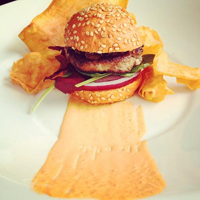 Este es el verdadero camino de la #felicidad. Sesión de fotos de la nueva carta y menú degustación en Feeling #Madrid... #foodie #burger #burgerlover #foodporn