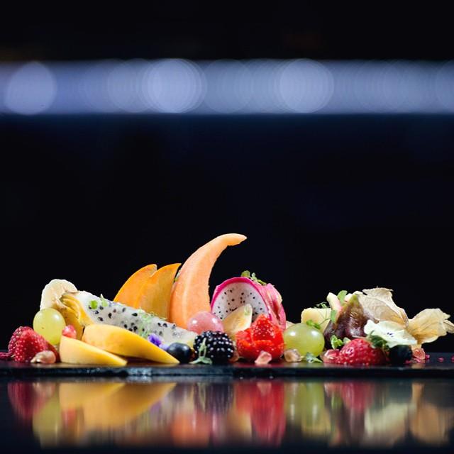 Este #postre de la nueva carta de Feeling es puro arte... O no? ? #madrid #foodie #restaurante #recomendacion #food #foodporn #foodlover #frutas #fruit #skyline