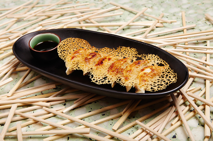 Gyozas de butifarra y cebollino chino Chuka Ramen Bar