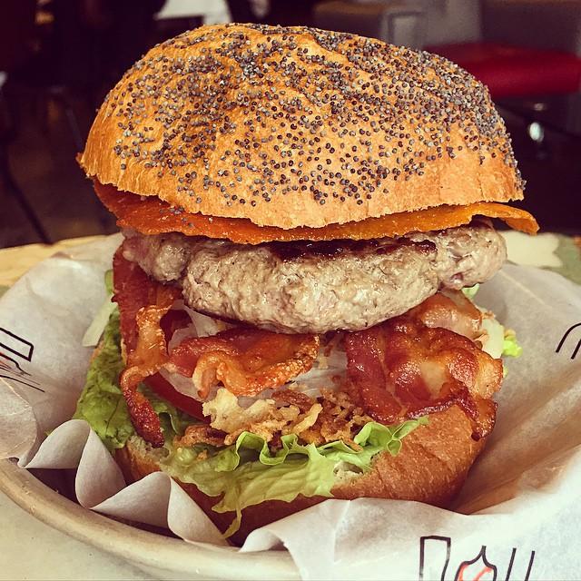 Tengo una debilidad... #burger @hdcafeteria #hamburguesa #Madrid #conelmorrofino