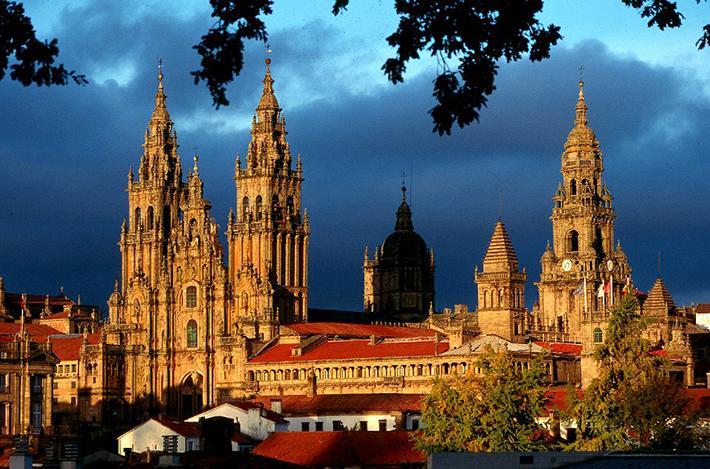 Santiago de Compostela (via www.hotelciudaddecompostela.com)