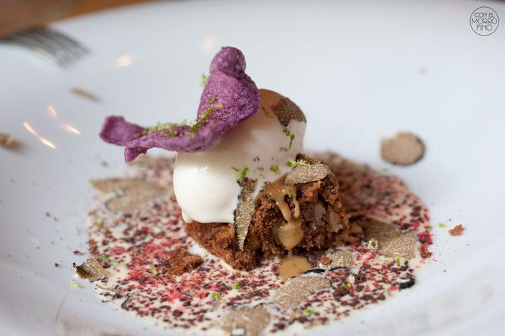 Restaurante Lua Brownie de chocolate con helado de turrón y crema de vainilla