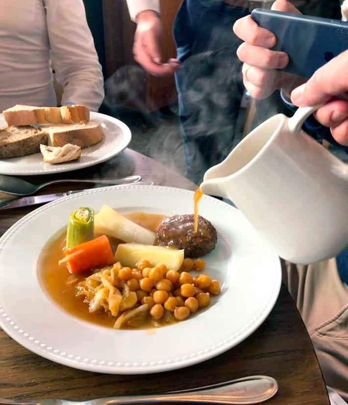 el-mejor-cocido-de-Madrid-la-cocina-de-frente