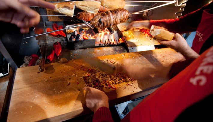 la mejor street food del mundo Gala Kokorec