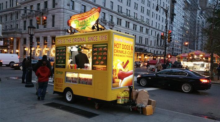 la mejor street food del mundo nathans famous