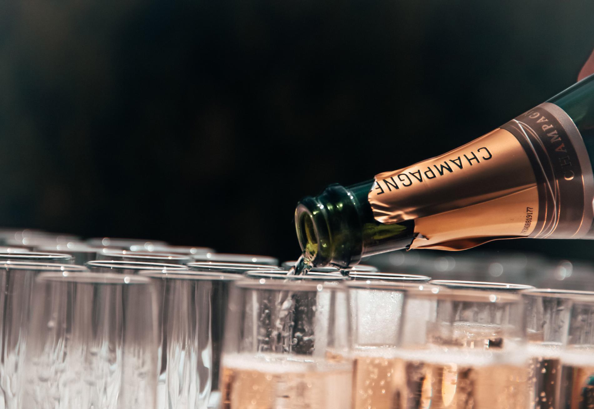 10 champagnes y cavas (con sus maridajes) para ayudarte a digerir la Navidad