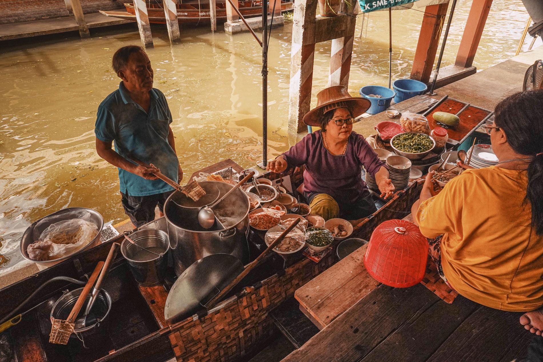 Vuelta al mundo, 16 mercados gastronómicos que debes conocer