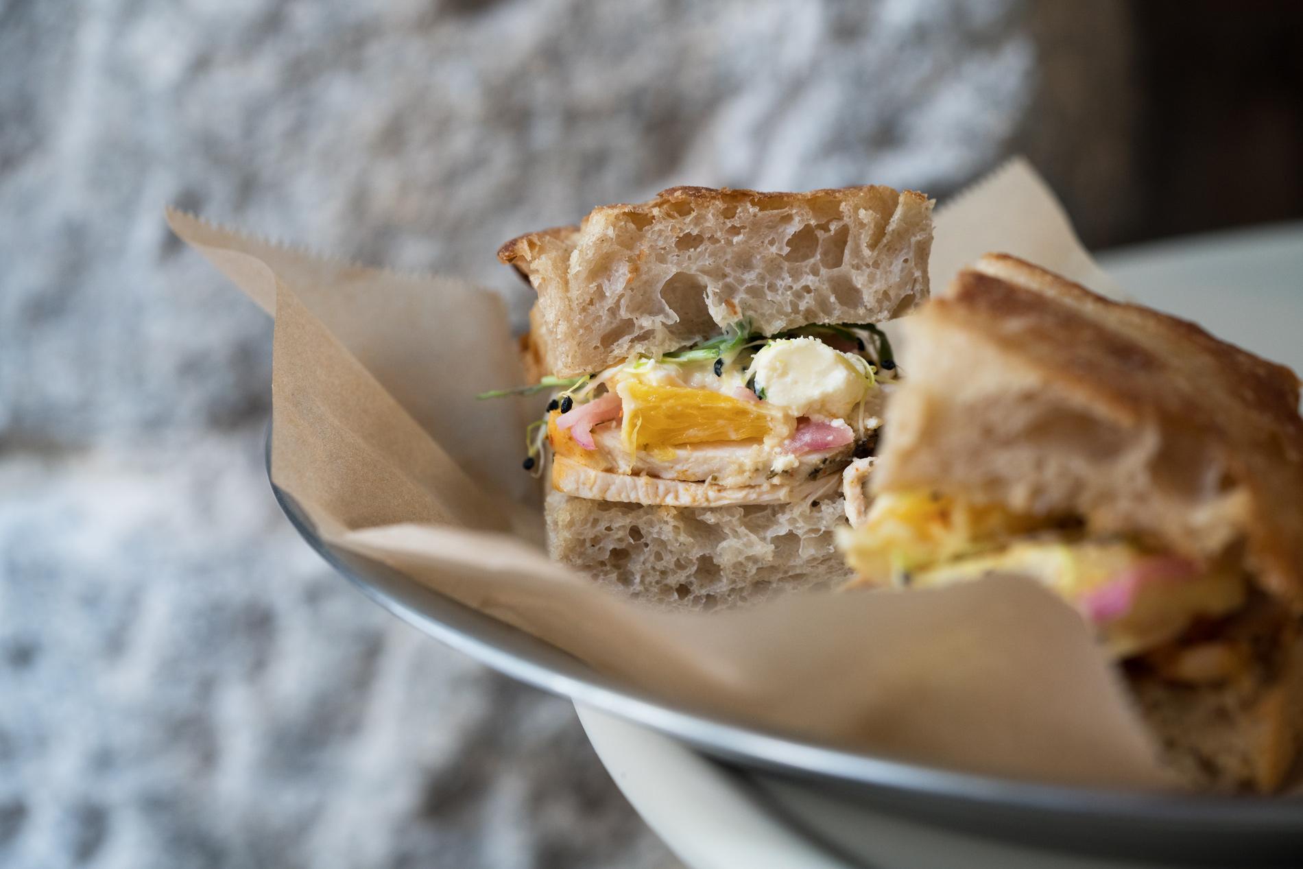 Masticar, cocina saludable y brutales sándwiches junto al Retiro
